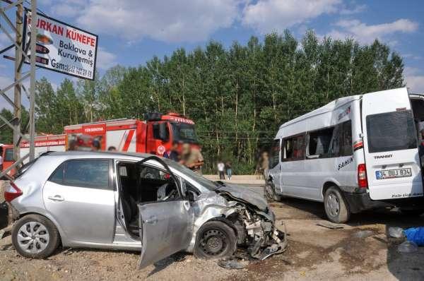Yüksekovada trafik kazası: 9 yaralı
