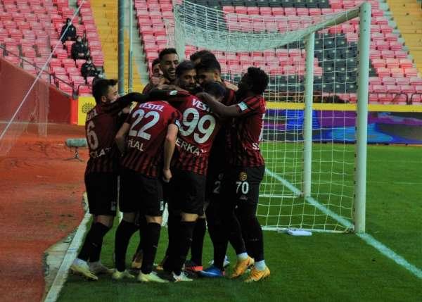 TFF 1. Lig: Eskişehirspor: 2 - Menemenspor: 2