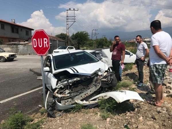 Hatay'da trafik kazası: 1'i bebek 5 yaralı