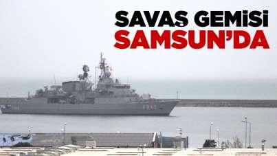 Savaş gemisi Samsun'da