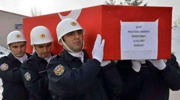 Şehit Ömür Erbay, mezarı başında dualarla anıldı