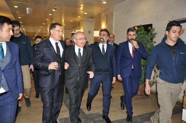 Artuklu Üniversitesi'nin bu haftaki konuğu Kamu Başdenetçisi Şeref Malkoç oldu