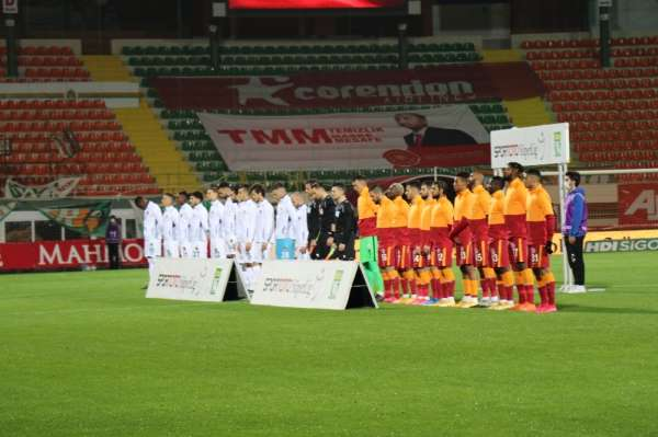 Süper Lig: Aytemiz Alanyaspor: 0 - Galatasaray: 1 (Maç devam ediyor)