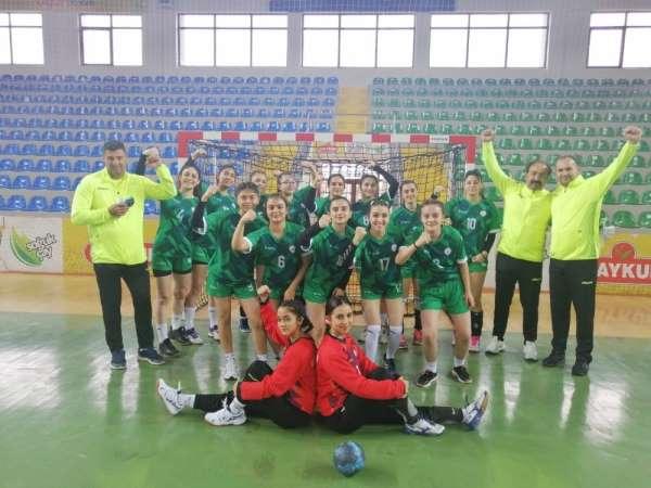 Kırşehir Belediye Kadın Hentbol Takımı Karadenizden galibiyetle döndü