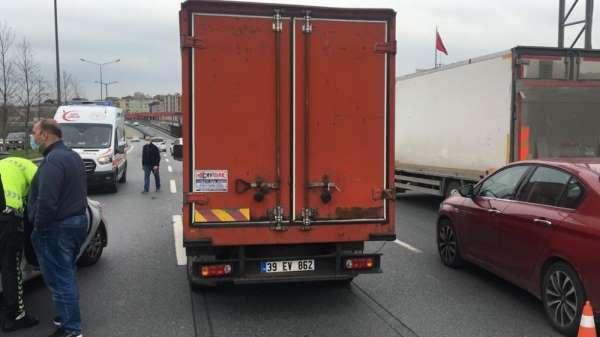 (Özel) Esenlerde zincirleme kaza: Kilometrelerce araç kuyruğu oluştu