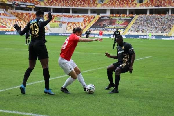 Süper Lig: Yeni Malatyaspor: 1 - Gaziantep FK: 1 (İlk yarı)