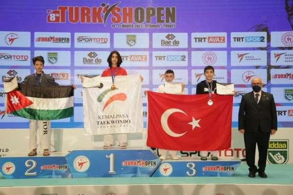 Turkısh Open Taekwondo Turnuvasına damga vurdu