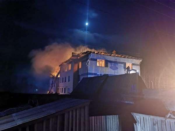 Rusyada doğal gaz patlaması: 4 dairenin duvarları yıkıldı