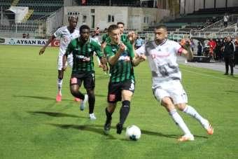 Süper Lig: Denizlispor: 0 - Beşiktaş: 1 (İlk yarı)
