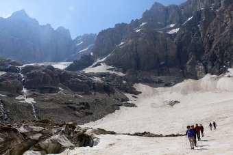 Dört mevsimin bir arada yaşandığı Hakkari'de tırmanış keyfi
