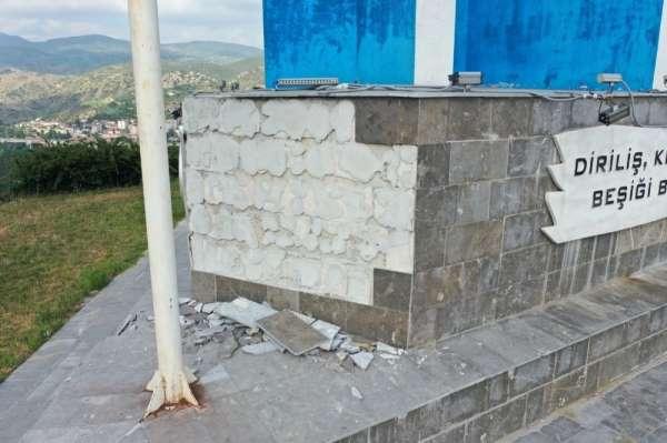 Kayı Boyu Anıtına çirkin saldırı