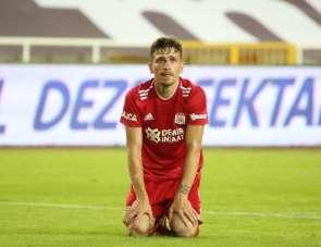 Mert Hakan Yandaş, Sivasspor'a veda etti