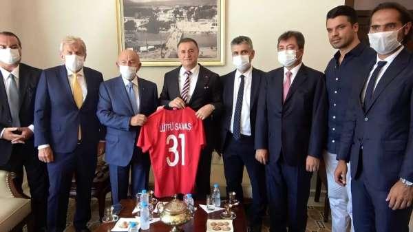 TFF Başkanı Özdemir, Başkan Savaş'ı kutladı