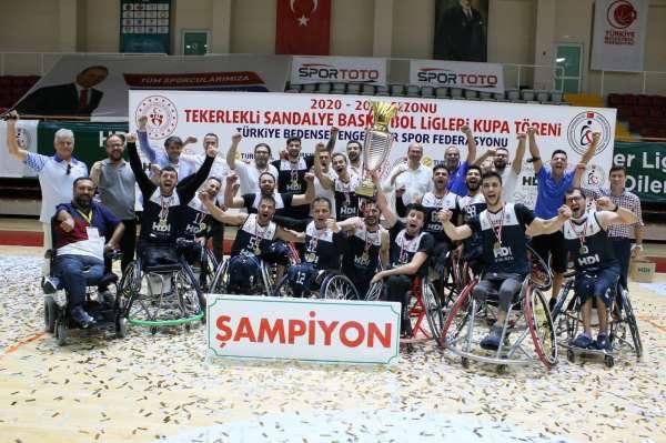 İzmir Büyükşehir Belediyesporun lisanslı sporcu sayısı bin 100e ulaştı