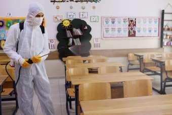 Atakum Belediyesi ilk ders zili öncesinde okulları dezenfekte etti
