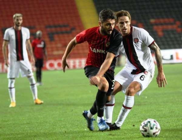 Süper Lig: Gaziantep FK: 2 - Fatih Karagümrük: 2 (Maç sonucu)