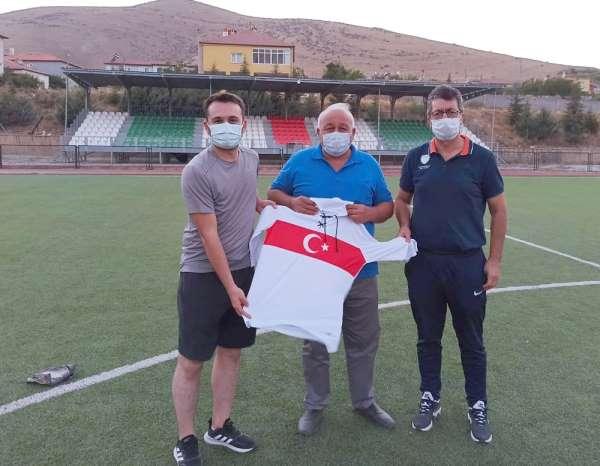 TÜFAD Kayseri Şube Başkanı Osman Yozgat, Yerköyspor futbol akademisini ziyaret e