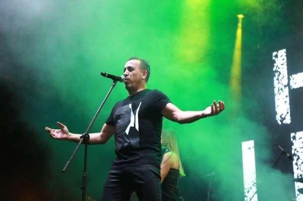 Haluk Levent'ten İzmir'de muhteşem konser