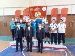 ASÜ'lü öğrenci, okçuluk şampiyonasını birincilikle tamamladı