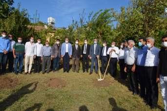 Kırıkhan'da bin 500 nar fidanı dağıtıldı
