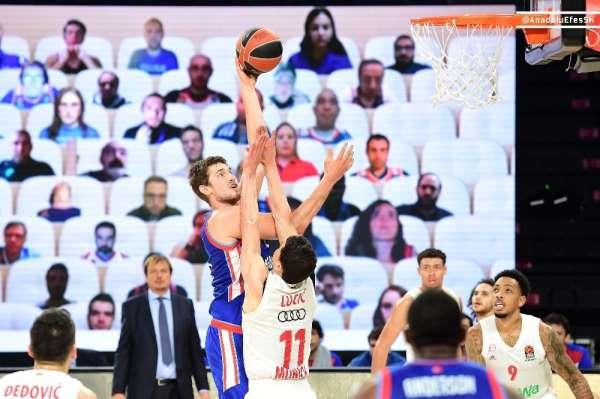 Anadolu Efes maçını dijital tribünden 300'e yakın taraftar izledi