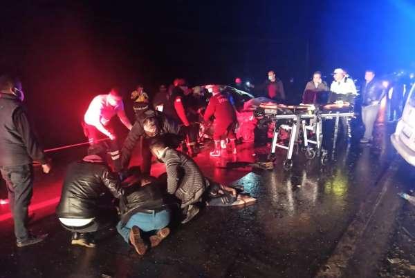 Gaziantepte trafik kazası: 2 ölü, 2si ağır 10 yaralı