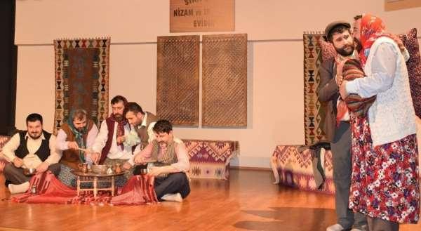 Mahkumların tiyatro oyunu ayakta alkışlandı