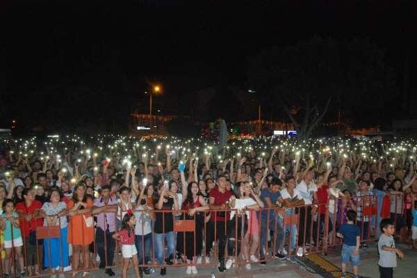 Mehmetçiğe destek olduğu için konseri iptal edilen Fettah Can Silifkelilerle bul