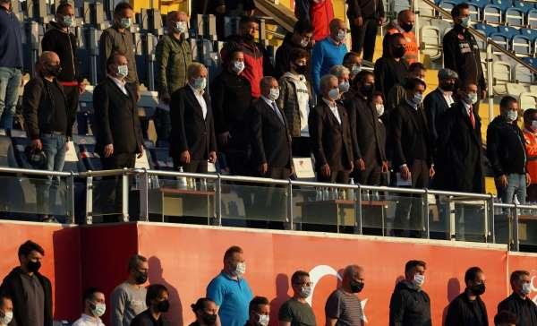 Türkiye U21 maçına teknik direktörlerden yoğun ilgi