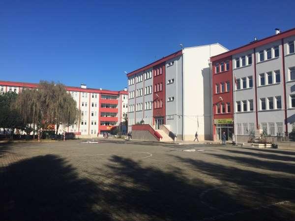 Ordu Fen Lisesi, sınavlardaki başarısını arttırıyor