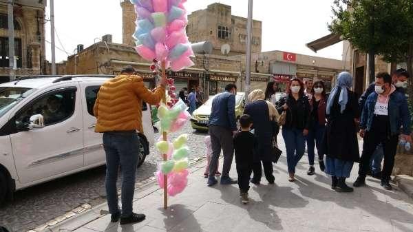 Mavi kent Mardindeki turizm hareketliliği esnafın yüzünü güldürdü