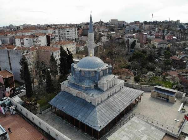 (ÖZEL) Kazasker İvaz Efendi Camii farklılıklarıyla dikkat çekiyor