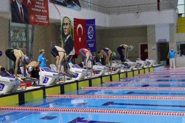 TSSF Paletli Yüzme Bireysel Açık Yaş Bahar Şampiyonasında 9 Türkiye rekoru kırıldı