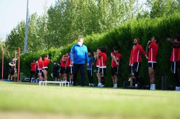 Kayserispor teknik direktörü Robert Prosinecki: '8 maç da bizim için final gibi'