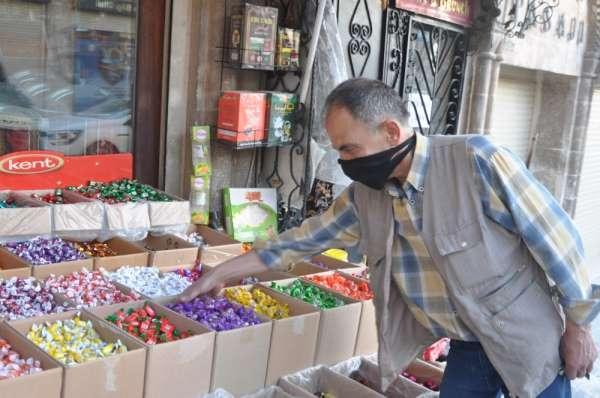 Sokağa çıkma kısıtlaması Mardin'de bayram şekeri satışını etkiledi