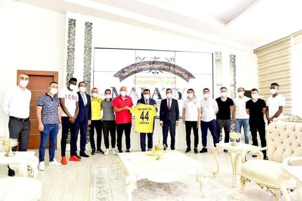 Yeni Malatyaspor'dan Başkan Gürkan'a teşekkür ziyareti