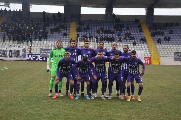 Afjet Afyonspor futbol takımı top başı yapıyor