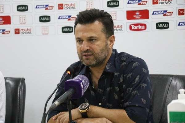 Bülent Uygun 5-1'lik yenilginin ardından maçın hakemine yüklendi: