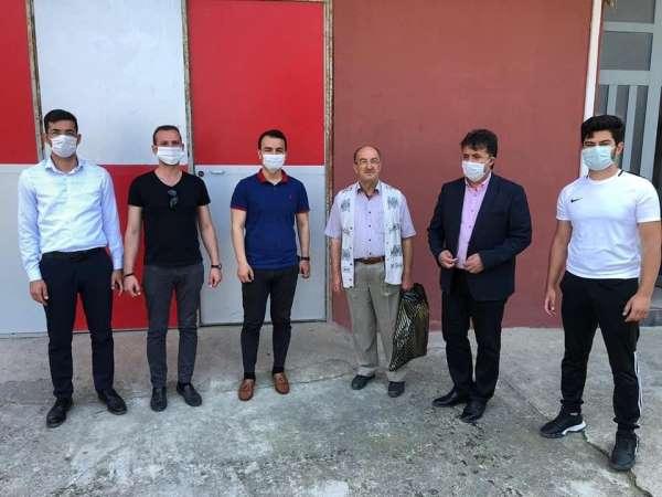 Türkeli'de şehit yakınları ve gazilere Babalar Günü ziyareti