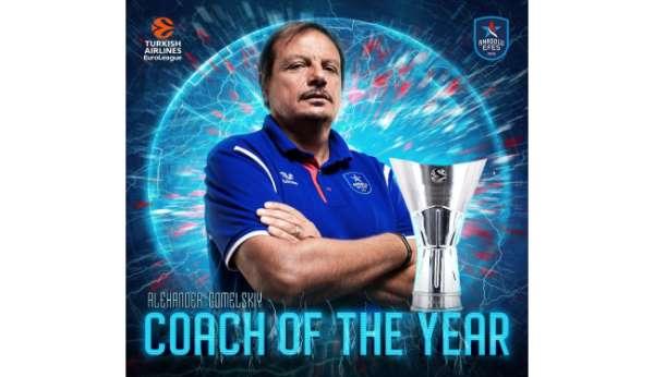 Anadolu Efesin Başantrenörü Ergin Ataman, THY Euroleaguede yılın koçu seçildi.