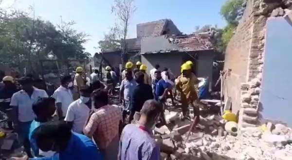 Hindistanda havai fişek fabrikasında patlama: 3 ölü, 2 yaralı