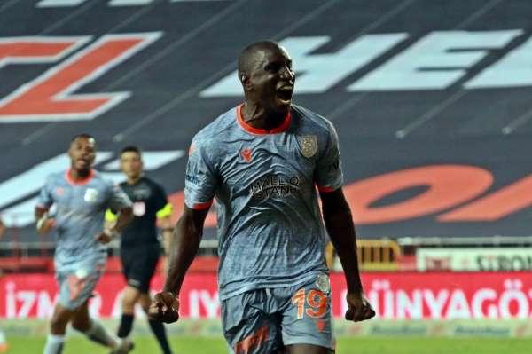 Demba Ba lig tarihine geçti