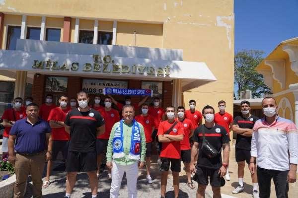 Milas Belediyespor Voleybol Takımı'nda imzalar atıldı