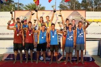İzmir'de plaj voleybolunda zafer Ukrayna'nın
