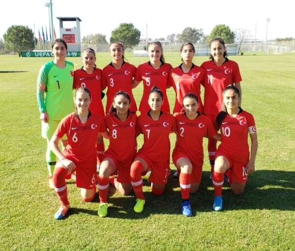 U17 Kız Milli Futbol Takımı'ndan Rusya'ya yarım düzine gol