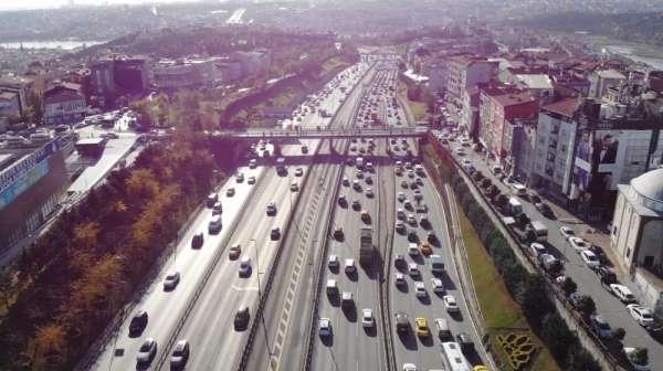 Haliç Köprüsü'ndeki kaza E-5 Karayolu trafiğini kilitledi