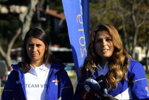 Yelkenliler, İstanbul Boğazı'nda kıyasıya yarıştı