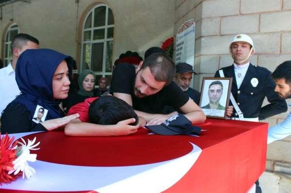 Van'da trafik kazasında ölen polis Yalova'da son yolculuğuna uğurlandı