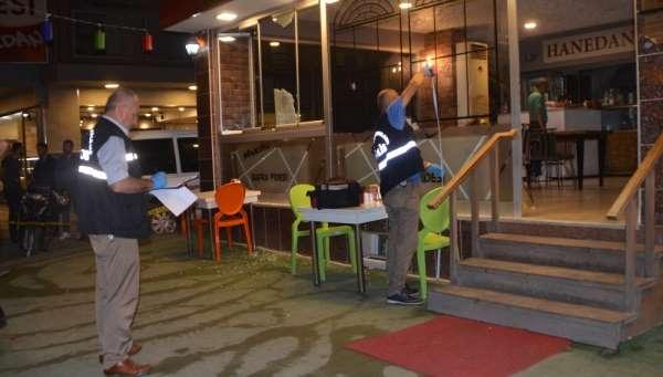 Bafra'da 2 iş yeri kurşun yağmuruna tutuldu