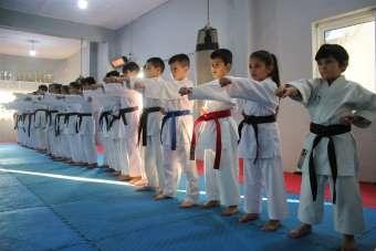 (Özel haber) 30 karateciden 27'si madalya kazanarak rakiplerine fark attı